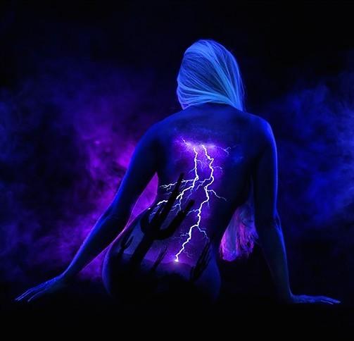 lightning spine2